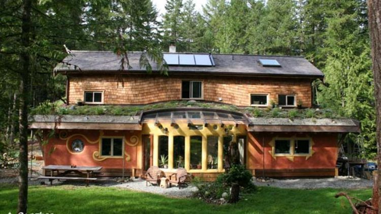 Pasivna, zemljana i samoodrživa kuća Eagleyew