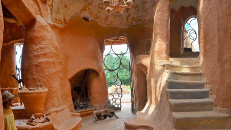 Kuća Terracota, najveća kuća od gline na svetu