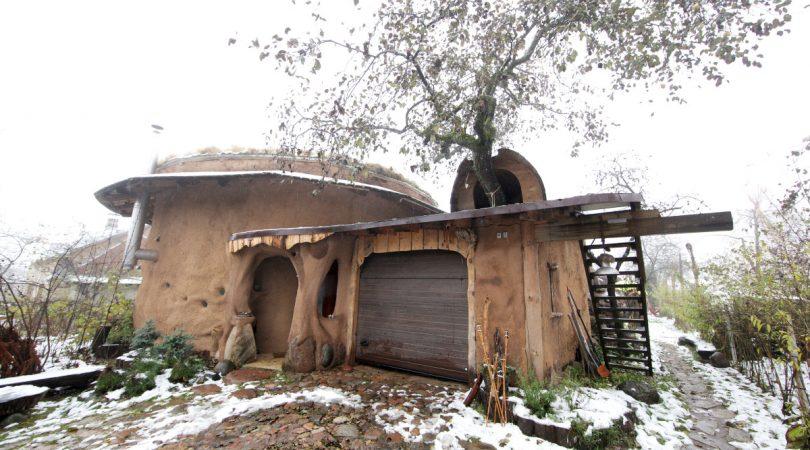 Kuća od slame, Olegas Kovrikov10