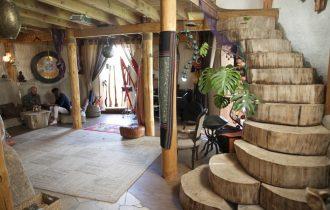 Bajkovita kuća od slame reditelja Olegasa Kovrikova u Litvaniji